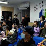 El allanamiento en reunión de Iglesia Xuncheng. Créditos: Persecution.org